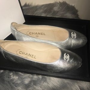 💯% Authentic Chanel Silver Flats